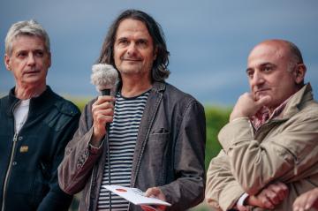 Preisverleihung durch Jury (Babak Nayebi & Aleko Adamia)